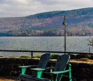 Adirondacks krzesła w Adirondacks Obrazy Stock
