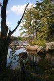 Adirondacks stenblock på den sjöDurant lodlinjen Royaltyfri Foto
