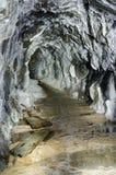 Adit de mineração abandonado com revestimentos do aragonite Fotografia de Stock