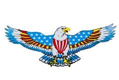 Adler mit Amerika-Markierungsfahne und Ausschnittspfad Stockbilder