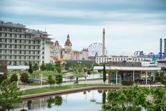 Adler, Park Russlands - 18. Mai 2017 Hotel-Sochi Adler, Krasnodar Lizenzfreies Stockfoto