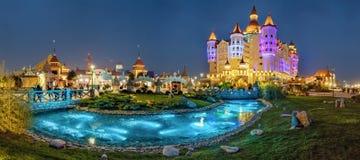 ADLER, RUSSLAND - 23. März 2018: Teich in Sochi-Park Lizenzfreie Stockfotografie