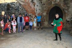 Adlig Puta und Besucher des Schlosses Lizenzfreies Stockbild