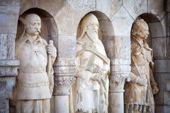 Adliger adelt Statuen bei Buda Castle Stockfotografie