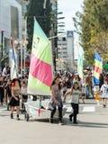 Adloyada狂欢节的游艇俱乐部成员在纳哈里亚,以色列 免版税库存照片
