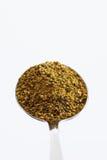 Administrez complètement du poivre de citron sur le fond blanc, fermez-vous à la cuillère  Photographie stock