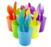 Administrez la tasse de fourchette et les articles à la cuillère en plastique de cuvette avec le backgrou blanc d'isolat image libre de droits