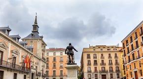 Admiral Bazan Statue Plaza de la Villa Madrid Spanien Lizenzfreies Stockfoto