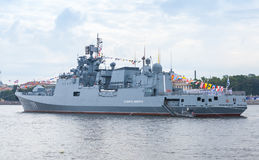 Admiral Makarov ist eine Fregatte Stockfoto