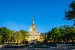 Admiralität als Symbol von Petersburg Stockbild