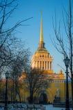 Admiralität als Symbol von Petersburg am Winterabend Stockfotografie