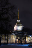 Admiralität im Heiligen-Ptersburg, Russland Am Winter Stockfotografie