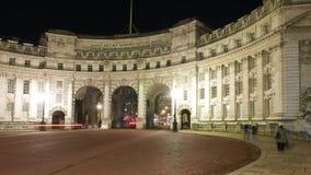 Admiralitäts-Bogen London bis zum Nacht stock footage