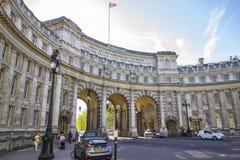 Admiralitäts-Bogenmonument die Mallstraße in London Lizenzfreie Stockbilder