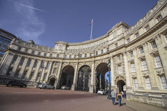 Admiralitäts-Bogenmonument die Mallstraße in London Stockbild