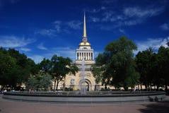 Admiraliteit in heilige-Petersburg in de zomer Royalty-vrije Stock Afbeelding