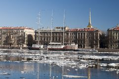 The Admiralty embankment in St. Petersburg Royalty Free Stock Images