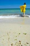 Admirer la mer photos libres de droits