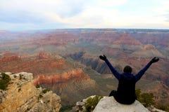 Admitir la belleza cruda de Grand Canyon Fotos de archivo libres de regalías