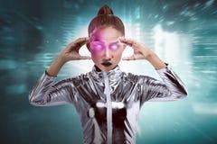 Ładna azjatykcia kobieta jest ubranym lateksowego kombinezon Zdjęcia Stock