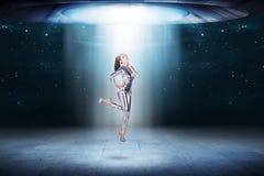 Ładna azjatykcia kobieta jest ubranym lateksowego kombinezon Fotografia Royalty Free