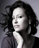 Ładna młoda kobieta czarny i biały portret zdjęcia royalty free