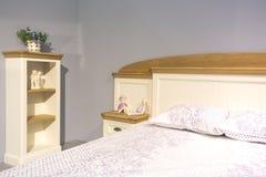 Ładna sypialnia w Provence stylu Obrazy Royalty Free