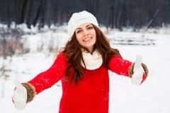 Ładna Yong kobieta w czerwonym pulowerze obrazy royalty free