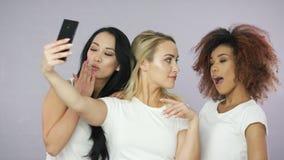 ?adne kobiety bierze selfie zbiory wideo