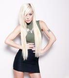 Ładny blond moda model Zdjęcia Stock