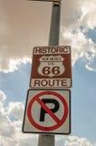 Żadny parking na trasy 66 znakach Zdjęcia Royalty Free