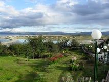 Ładny widok jezioro i góra Zdjęcia Royalty Free