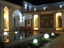 Ładny wieczór w Dziejowym budynku zdjęcia royalty free