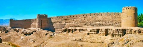 Adobe-Festung auf Felshügel, Rayen, der Iran Lizenzfreie Stockfotos