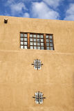 Adobe-Gebäude in Santa Fe Lizenzfreies Stockfoto