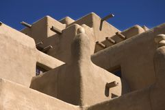 Adobe-Gebäude in Santa Fe Lizenzfreies Stockbild