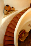Adobe-gewundenes Treppenhaus Stockbild