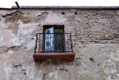 Adobe-Hausfenster Lizenzfreie Stockbilder