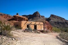 Adobe-Wohnung in der Wüste Lizenzfreie Stockfotografie