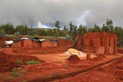 Adobe-Ziegelsteinproduktion in Nord-Peru Lizenzfreies Stockbild