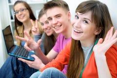 Adolescencias - amigos Foto de archivo libre de regalías