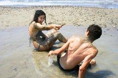 Adolescencias en la playa Fotos de archivo libres de regalías