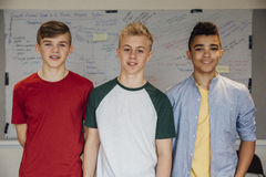 Adolescencias en la sala de clase fotografía de archivo
