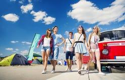 Adolescencias hermosas en el festival del verano Fotografía de archivo