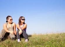 Adolescencias que miran en alguna parte Fotografía de archivo