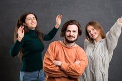 Adolescencias que se divierten Imagen de archivo libre de regalías