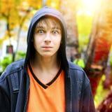 Adolescent étonné photographie stock libre de droits