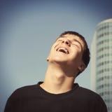 Adolescent heureux extérieur Images libres de droits