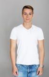 Adolescent mignon dans le T-shirt blanc Photo stock