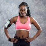 Adolescente africano sano en ropa de deportes Imagen de archivo